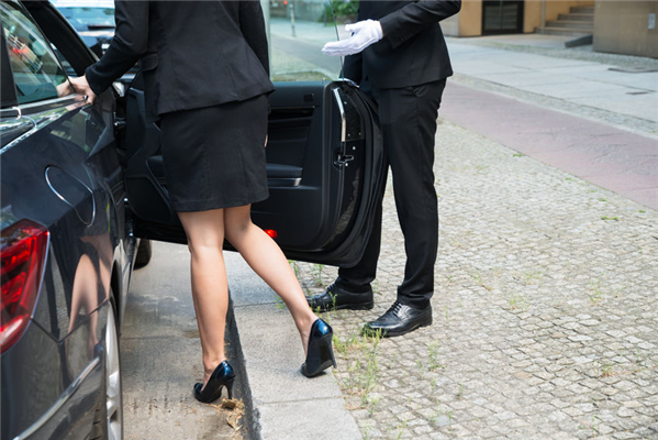 Proper Valet Etiquette: What You Should Know