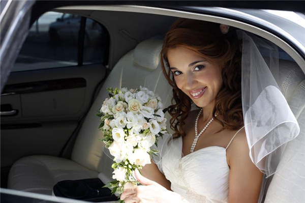 5 Advantages to Hiring a Valet Parking Service for Your Upcoming Wedding