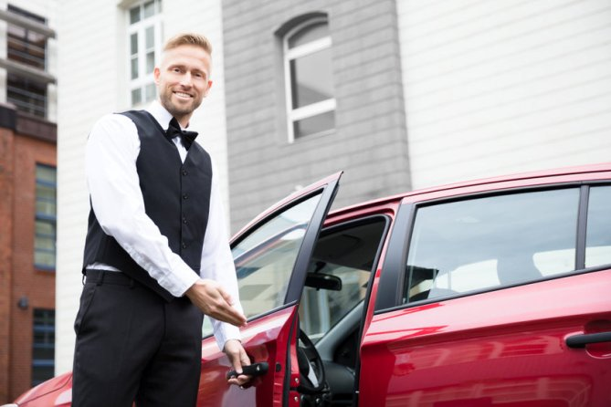 How Does Valet Parking Benefit a Business?