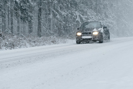 10 Winter Driving Tips for Safer Holiday Traveling